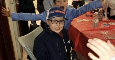 Paradise Minor Hockey awards special honour to a brave young boy